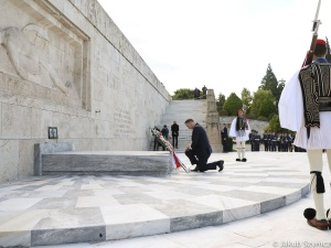 Wizyta Andrzeja Dudy w Grecji. Prezydent złożył wieniec przed Pomnikiem Nieznanego Żołnierza