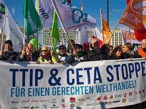 Nawet jeśli umowa TTIP nie zostanie przyjęta przez UE, to dzięki CETA tak naprawdę wejdzie w życie