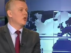 """Siemoniak tłumaczy się z planów zakupu Caracali. Red. Wybranowski odpowiada: """"Putin bije brawo"""""""