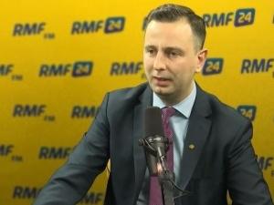 """[video] Mazurek obśmiał Kosiniaka-Kamysza. """"Jak się jest liderem PSL można sobie w łeb młotkiem palnąć"""""""