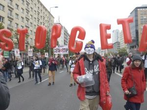 Na skutek przyjęcia CETA Unia Europejska utraci 200 tys. miejsc pracy, a średnie płace spadną