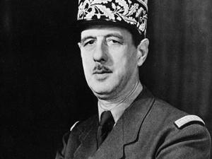 """Mec. Kwaśniewski [Ordo Iuris]: Maj 1958. Armia francuska grozi puczem.Szef KE nie nazywa ich """"faszystami"""""""