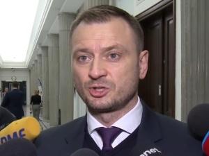 """Sławomir Nitras (PO) zwraca się do dziennikarza: """"durniu"""""""