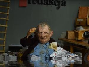 "[video] Nowa animacja Barbary Pieli: ""Katastrofa Michnika"""