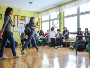 Likwidacja gimnazjów zostanie przesunięta o rok? Co na to minister Zalewska?