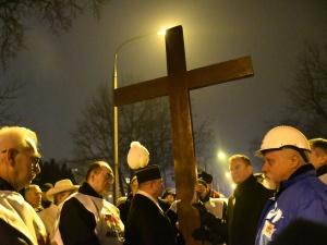 """[Nasza Fotorelacja] 18. Ogólnopolska Droga Krzyżowa Ludzi Pracy """"Chrystus solidarny z ludźmi pracy"""""""