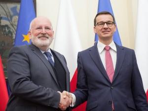 Timmermans po polsku ocenił wizytę w Warszawie. Rząd PiS-u zadowolony