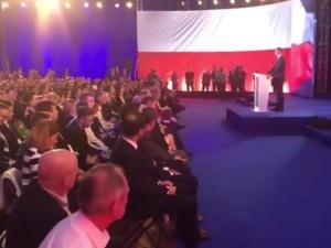 Konwencja PiS - Polska Jest Jedna. Premier: Będzie opodatkowanie hipermarketów i mniejszy ZUS dla firm