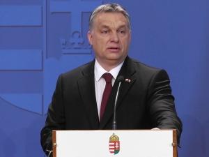 Orbán grozi Unii Europejskiej pozwem?