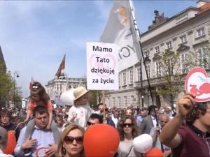 [video] Marsz Świętości Życia. Kard. Nycz:Różni nas od innych marszów to, że przychodzimy, by się cieszyć