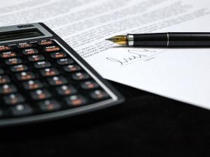 O rodzaju zawieranych umów nie może decydować ich opłacalność dla przedsiębiorstwa