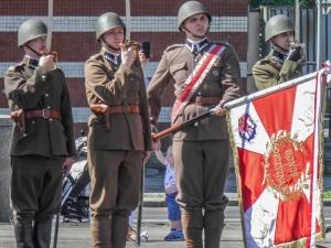 [Fotorelacja]. Rocznica Konstytucji 3 maja i wybuchu III Powstania Śląskiego. Podniesienie Flagi. Chorzów