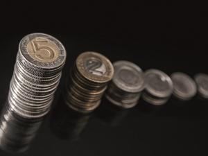 RDS: Wzrost PKB, konsumpcji i wynagrodzeń wg. resortu finansów. Wątpliwości Solidarności