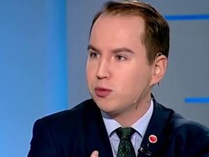 """Nieoficjalnie: Adam Andruszkiewicz chce budować w Polsce """"drugi Fidesz"""""""