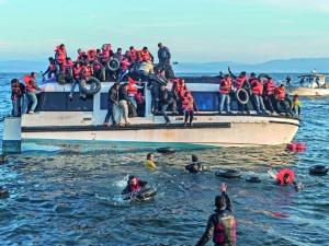 Watykan upomina polityków, by nie wykorzystywali migrantów