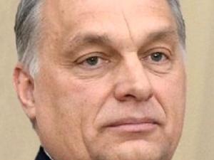 Viktor Orbán przegrywa głosowanie w parlamencie, ale tak naprawdę wygrywa coś więcej