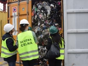Do Polski przypłynęło 1,1 mln kg nielegalnych śmieci. Szokujące znalezisko w porcie w Gdyni i Gdańsku