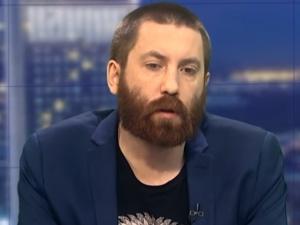 """Dawid Wildstein porównuje rządy PO i PiS: """"Dyktatura kontra Demokracja i Wolność"""""""