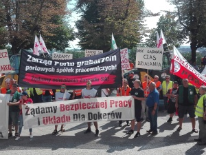 Protestują w obronie miejsc pracy w porcie