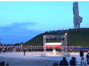"""[video] Syreny o poranku. Marszałek Sejmu: Słowa """"Westerplatte jeszcze się broni"""" podtrzymywały na duchu"""