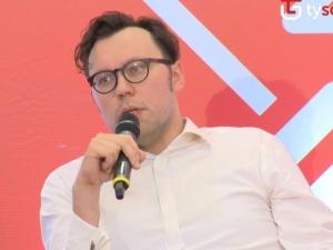"""Rafał Woś żegna się z """"Polityką"""". """"Szukam nowej, uczciwej pracy"""""""