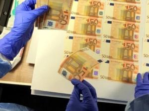 W Polsce na masową skalę fałszowali euro