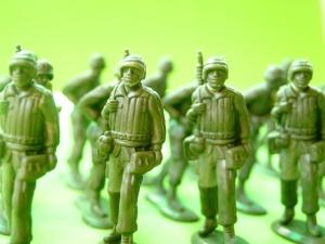 """Spór nt. europejskiej armii. Merkel, Macron i Putin """"za"""". Trump i Macierewicz """"przeciw"""""""