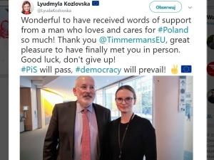 """""""Słowa wsparcia od człowieka, który tak kocha Polskę"""". Kozłowska publikuje swoje zdjęcie z Timmermansem"""