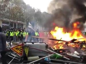 [video] Paryż płonie. Opłakany finał zamieszek dla stolicy Francji