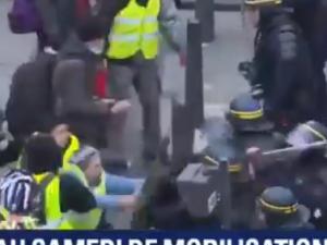 [Wideo] Niespokojnie na ulicach Brukseli i Paryża