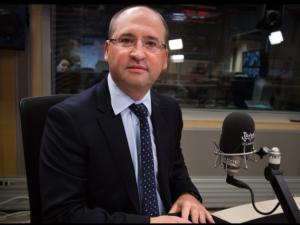 Adam Bielan: Timmermans rozpoczął kampanię, spór z Polską i Węgrami jest działaniem wyborczym