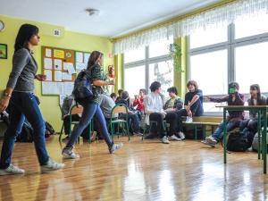 Polscy czwartoklasiści dobrze znają matematykę i przyrodę, ale nie lubią szkoły