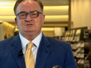 Timmermans chce zmieniać rząd w Polsce. Saryusz-Wolski odpowiada