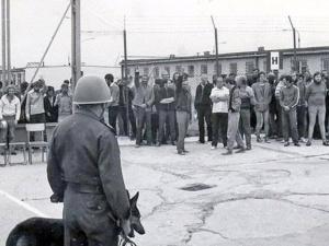 """Jacek K. Matysiak: """"Pacyfikacja internowanych w więzieniu w Kwidzynie w 1982 r, cz.2"""""""