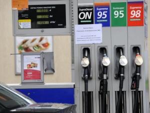 Paliwo za 5 zł coraz bardziej możliwe. Ceny rosną po decyzji OPEC