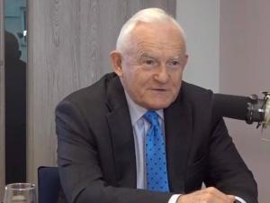 """Leszek Miller o posadzeniu prezydenta i premiera w piątym rzędzie: """"To nie było fortunne"""""""
