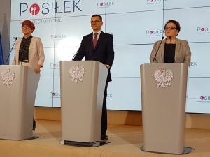 """KPRM przyjęła rozporządzenie ws. programu """"Posiłek w domu i w szkole"""". 200 mln na stołówki"""