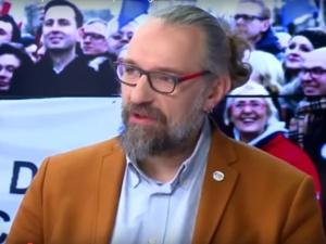 Kijowski: Dzisiaj uważam, że krzyż w szkołach i w sejmie nie powinien wisieć