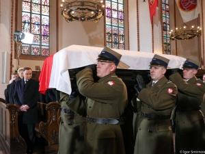 Rozpoczęła się ceremonia pogrzebowa śp. Jana Olszewskiego