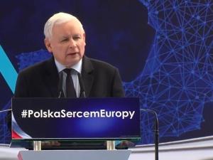 """J. Kaczyński: """"Będziemy mówili """"nie"""" atakowi na dzieci! Polscy rodzice mają prawo do wychowywania..."""""""