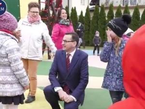 [video] Nowy spot Kancelarii Premiera związany z publikacją projektu ustawy o rozszerzeniu programu 500+