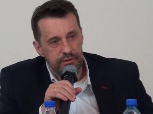 """""""Kto ten temat podejmie staje się zdrajcą polskiej racji stanu! Jasne?!"""" Ostry wpis Witolda Gadowskiego"""