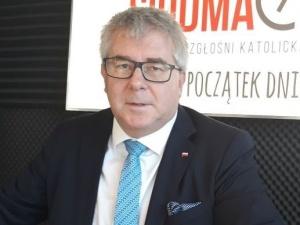 R. Czarnecki: Żałuję, że komisarz Bieńkowska przyłożyła rękę do tego fatalnego budżetu