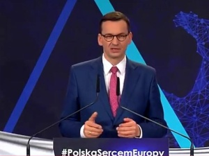 """[video] Premier: """"Stoimy dzisiaj przed szansą, jaką nasi rodacy mieli dawno temu - 450 lat temu"""""""