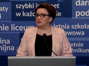"""[video] Min. Zalewska: """"Drodzy Maturzyści, matura już 6 maja. Przed Wami intensywny miesiąc"""""""