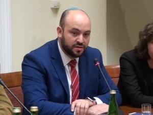 """Daniels: """"Nawet po głupocie w Polsce w zeszłym tygodniu, musimy zauważyć znaczny spadek antysemityzmu"""""""