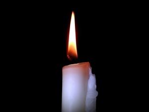 Mężczyzna, który podpalił się przed KPRM zmarł