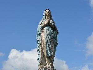 """Reakcje hierarchów Kościoła na profanację ikony Matki Bożej: """"Męczeństwo św. Szczepana rozpoczyna..."""""""