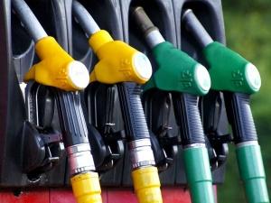 Benzyna pójdzie w górę? Niepokoje w Zatoce Perskiej powodują podwyżki cen baryłki ropy