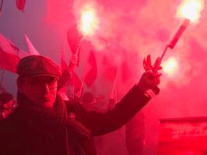 Cezary Gmyz uniewinniony za odpalenie racy na Marszu Niepodległości